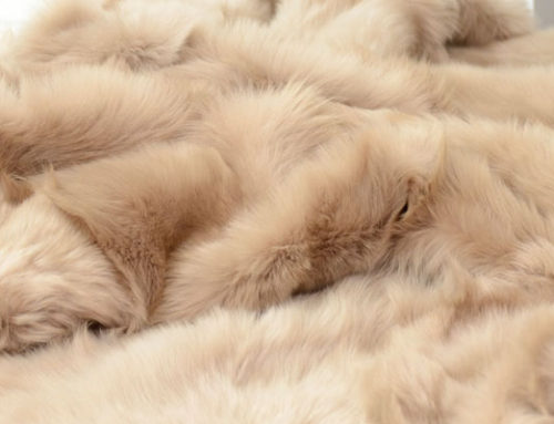 Luxurious throw blankets